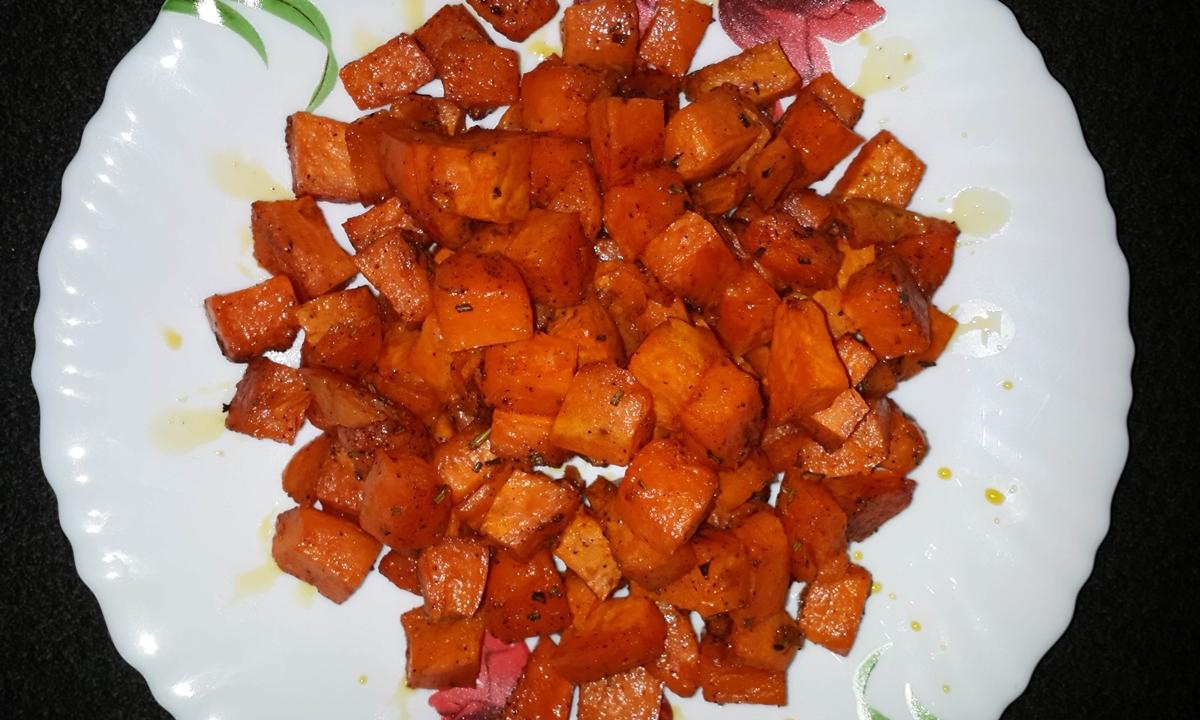Cubuleţe de pui cu sos caramel